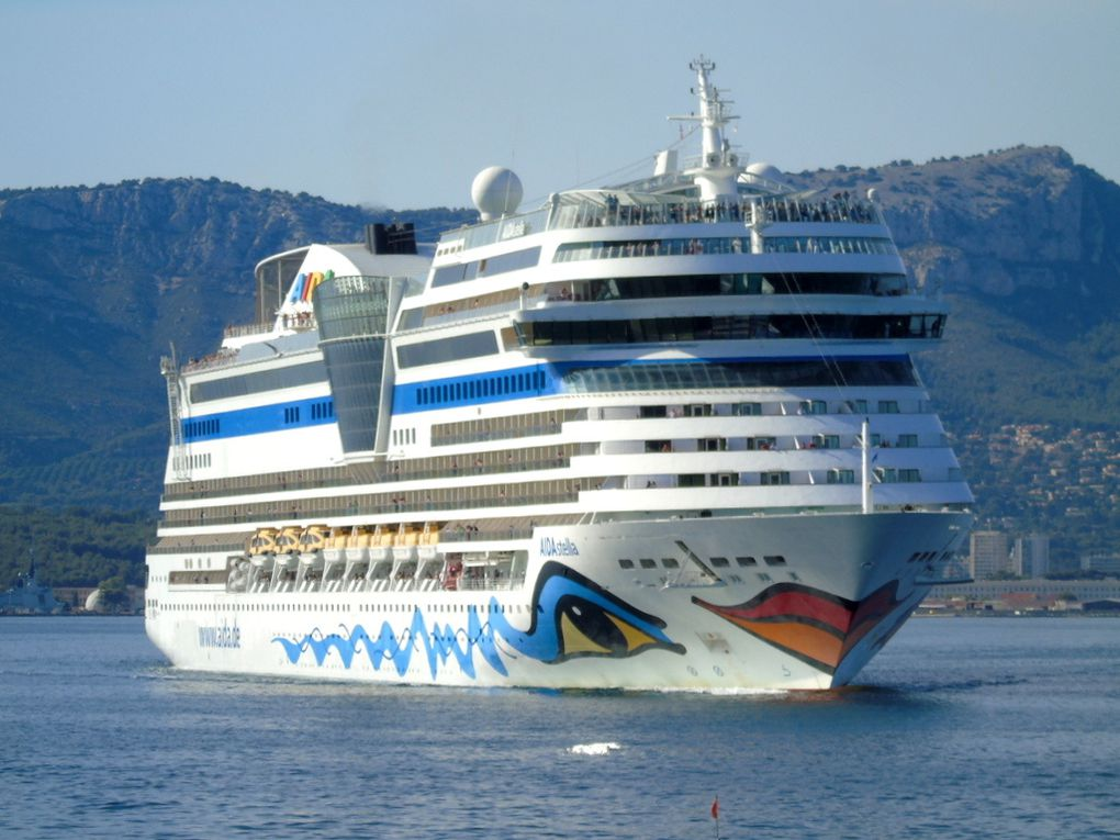 AIDA  STELLA  , arrivant à Toulon le 06 juillet 2017