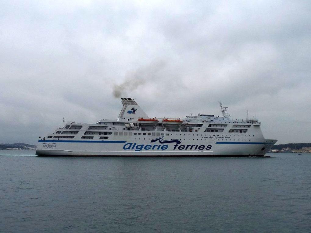 TARIQ IBN ZIYAD , Ferrie Algérien rentrant dans le port de Toulon le 04 janvier 2014
