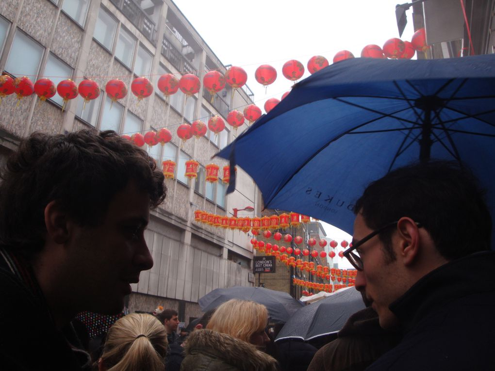 Chinatown during the chinese new year / in the rain