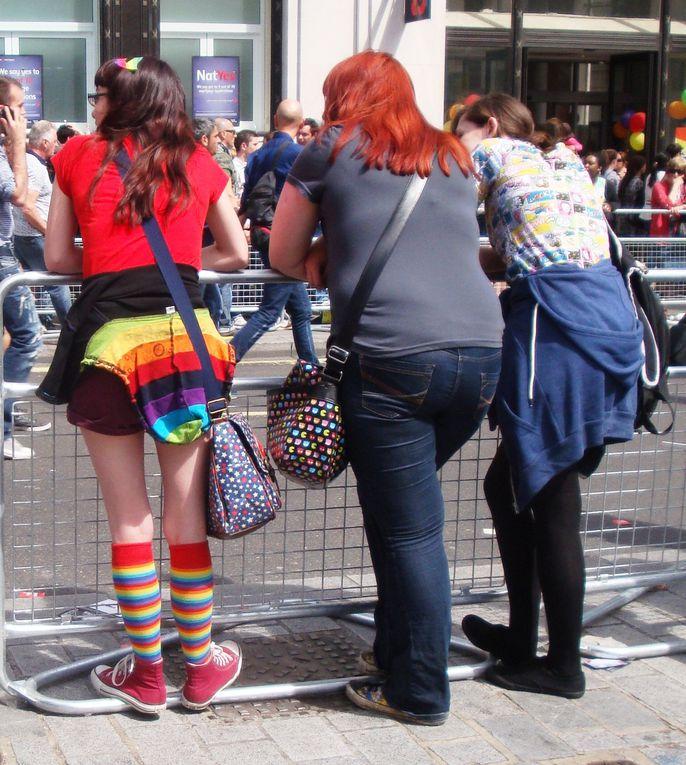 Pride in London - à coté de la parade &#x3B;) [Non je ne suis pas une fétichiste des fesses, il faut cliquez pour agrandir les photo &#x3B;)]