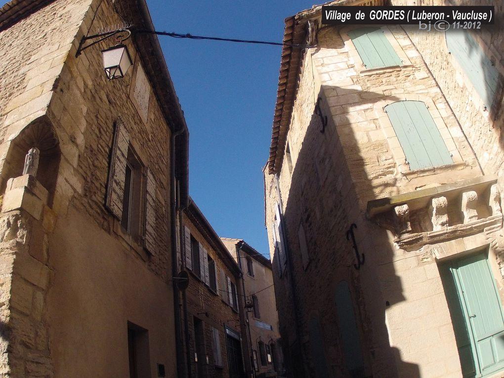 GORDES en LUBERON - VAISSEAU de PIERRE SECHE - village d'exception - depuis le GR 653