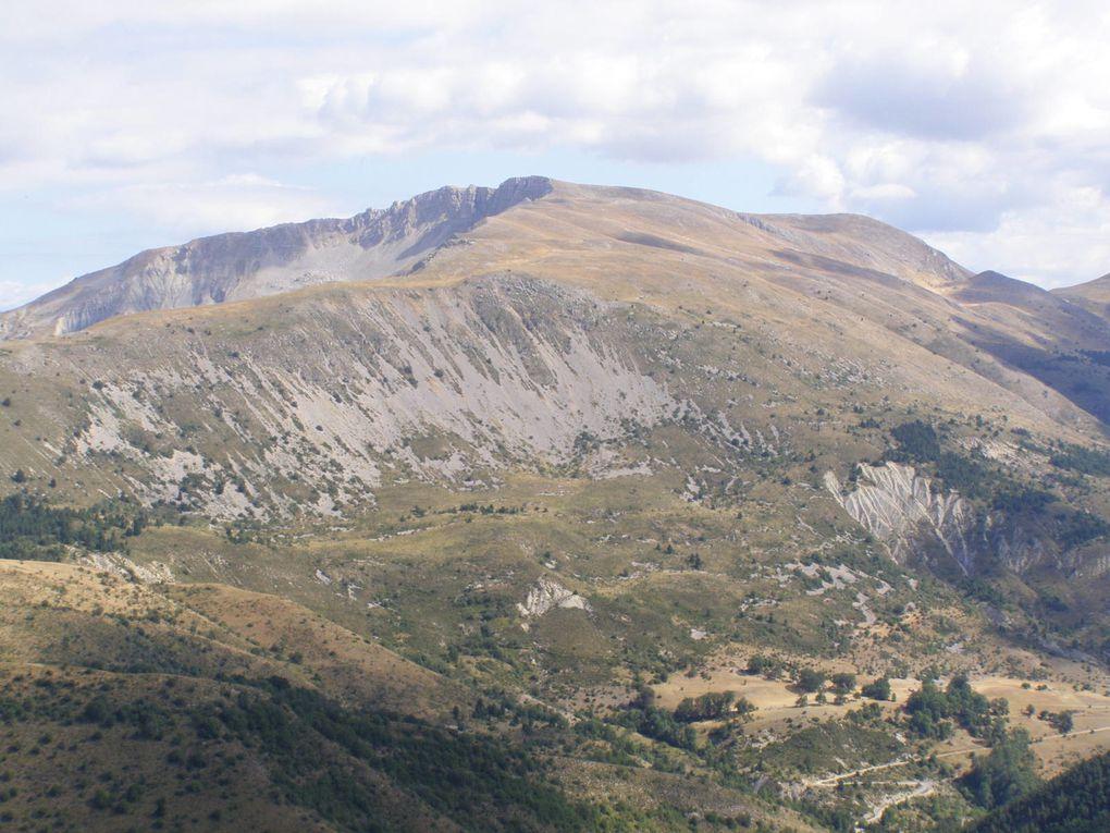 BARRE de GERUEN en début d' AUTOMNE ( Alpes de Haute Provence )