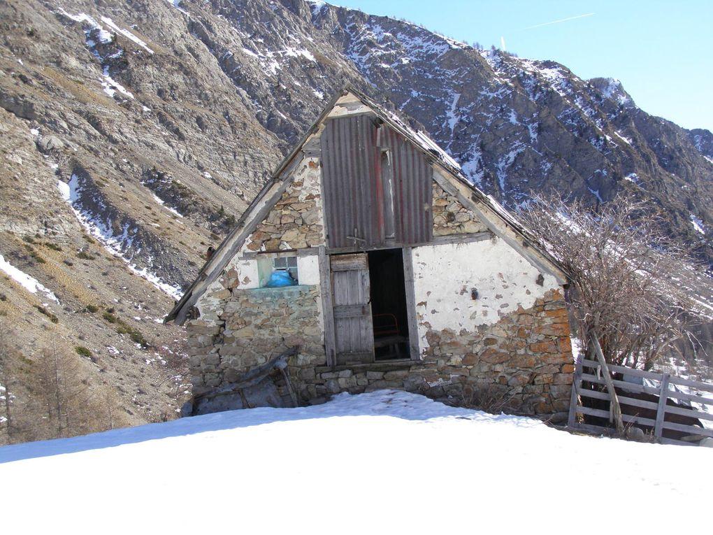 RAQUETTES dans le vallon de chasse ( val d'Allos ) - Haut Verdon - Alpes de Haute Provence
