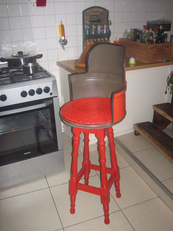 Tabouret de bar en bidon recyclé, &quot&#x3B;total design&quot&#x3B;