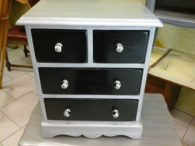 Chiffonnier 4 tiroirs noir et gris argenté