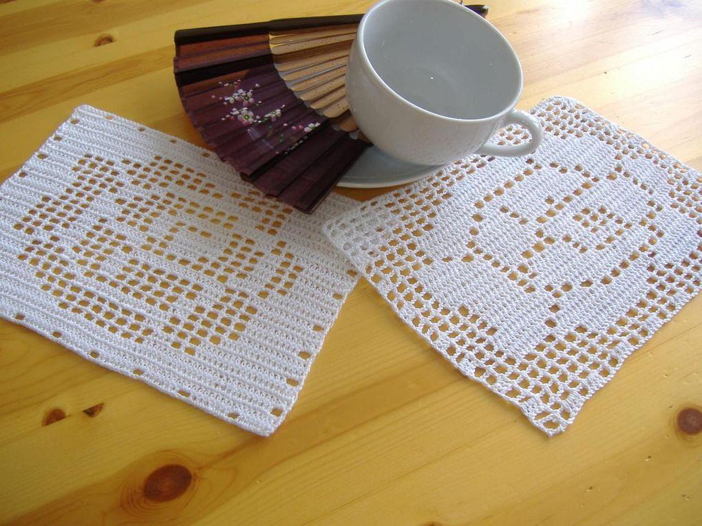 Dessous de tasses au crochet