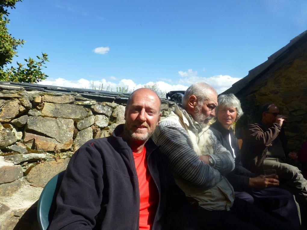 Une bien belle journée pour marcher vite et rencontrer plein de nouvelles têtes dans un monastère.