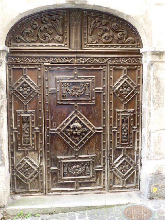 """Une journée consacrée au Lot...marche tranquille au bord de l'eau jusqu'à Cahors, capitale du Quercy avec sa Cathédrale et son pont du """"Diable""""... Et coucou  Jeanot Lou Paysan!!"""