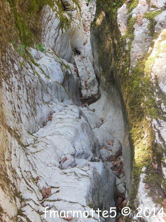 Progression dans le Canyon des Gueulards.Diaporama.