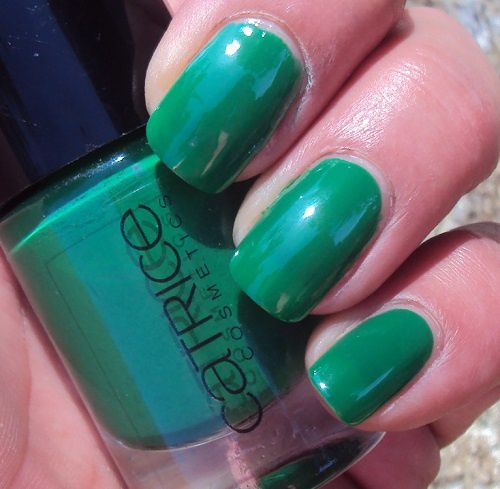 Sur mes ongles : I'm not a Greenager de Catrice