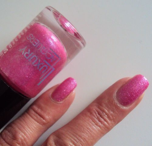 Sur mes ongles : It's a PINKini World de Catrice