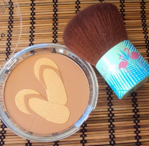 Le bronzeur Glow of my Life de Essence (coll. Secret Party)