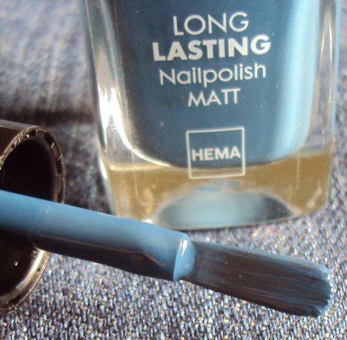 Sur mes ongles : 822 Long Lasting nailpolish de Hema
