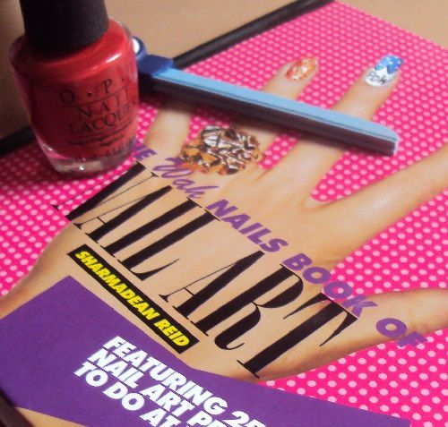 Sur mes étagères : The Wah nails book of nail arts