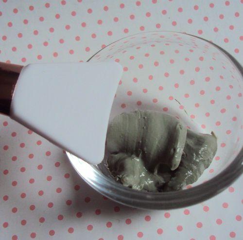 Appliquer son masque à la spatule