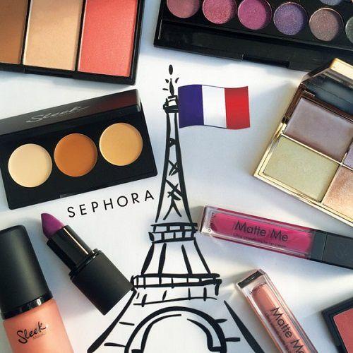 Un stand Sleek MakeUp au Sephora des Champs Elysées