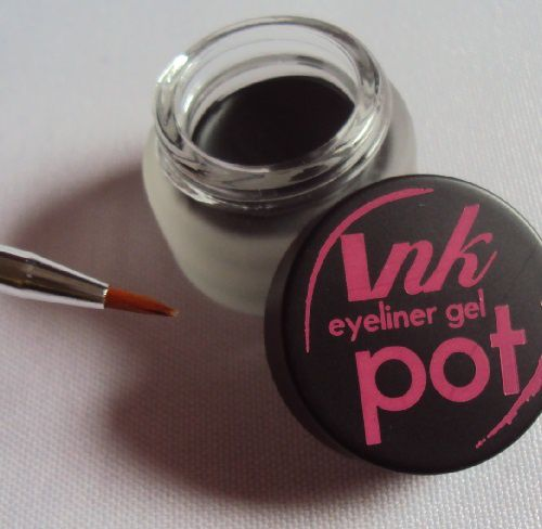 Ink Pot de Sleek MakeUp (teinte Dominatrix)