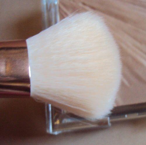 Le Contouring brush de H&amp&#x3B;M