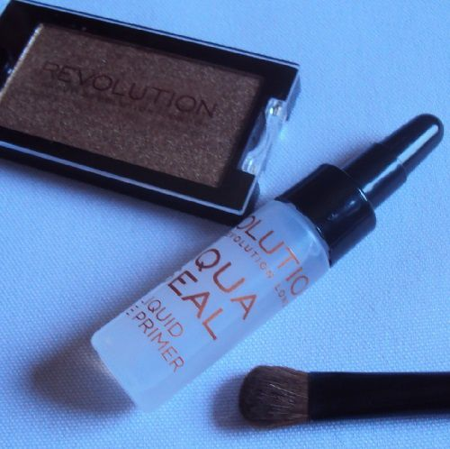 Aqua Seal de Revolution Make Up