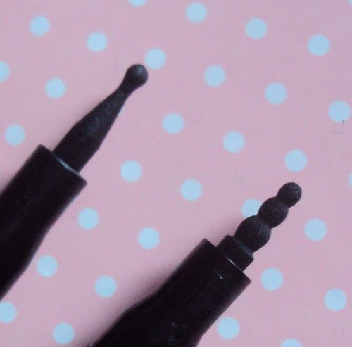 L'eyeliner Rock'n'Doll duo stylist de Essence
