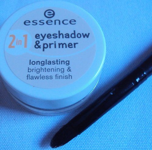 2 in 1 Eyeshadow &amp&#x3B; primer de Essence