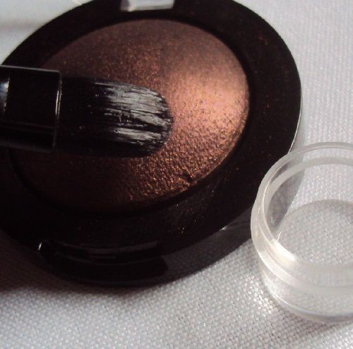 Makeup Lock &amp&#x3B; Seal de EyesLipsFace (ELF)