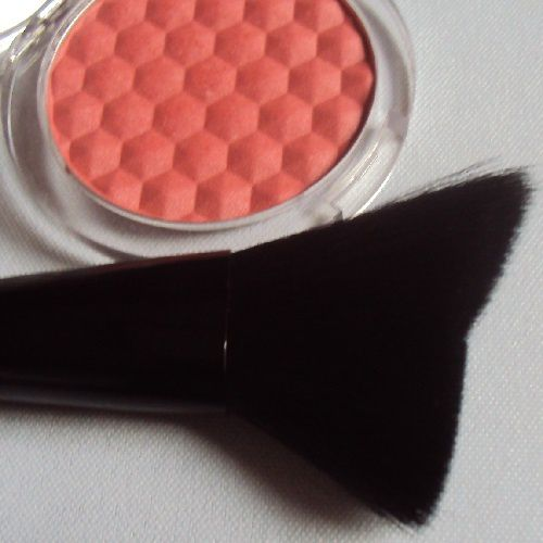 Strobing brush de Essence (coll. Glitter in the air)