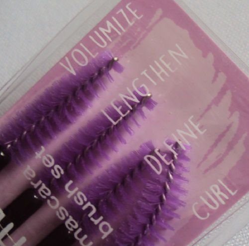 Lash up your way ! mascara brush set de Essence