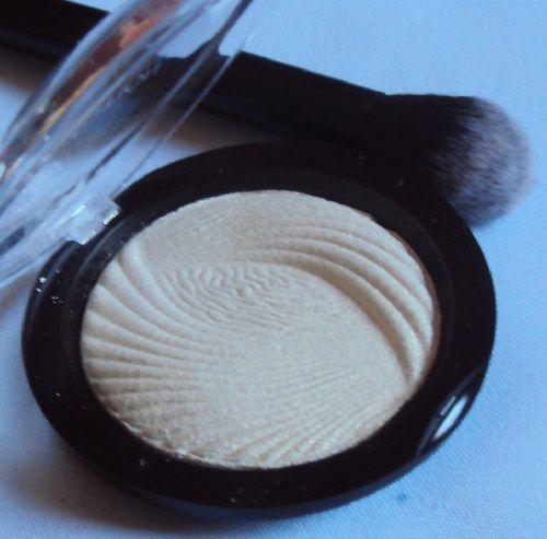 L'highlighter Golden Lights de Revolution Makeup