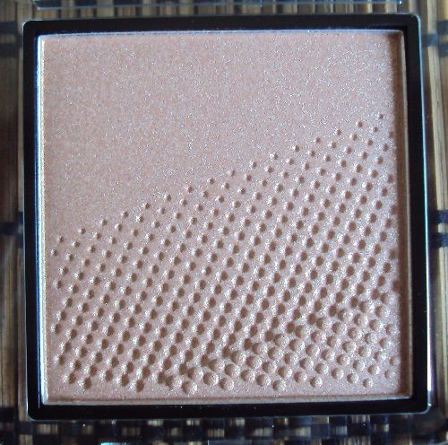 Golden Glow highlighting powder de Catrice (coll. Prêt-à-Lumière)