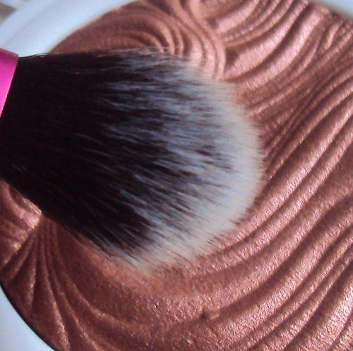 Rosewood Glimmer shimmer highlighter de MUA (Make Up Academy)