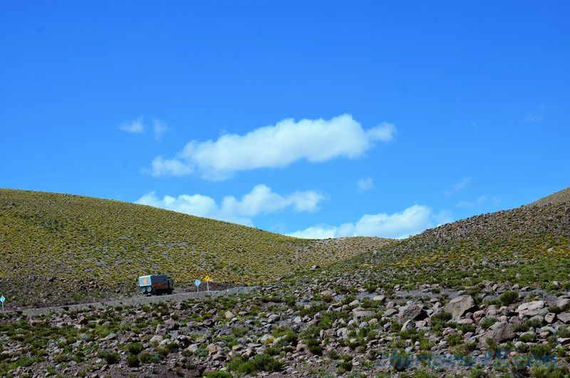 Sur la route de El Tatio ( Chili en camping-car)