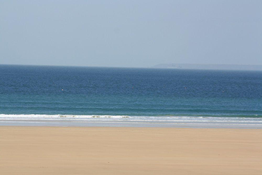Houle de 50cm à 1m, petit surf, vent faible ONO.