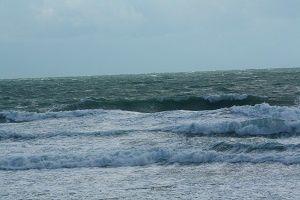 Houle longue en hausse vent Ouest soutenu conditions difficiles !!!
