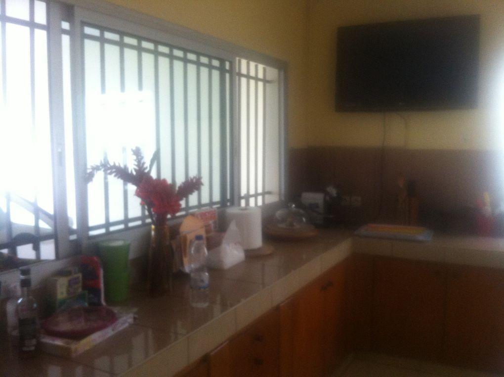 Villa familiale de 5 pièces à Abidjan louée meublée ou vide.