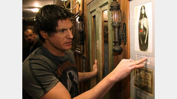 Ghost Adventures [VF] - S02E05 - Le Théâtre Bird Cage [HD-720p]