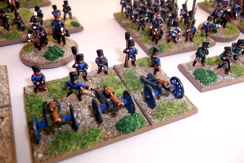 Les 3 brigades d'infanterie (ligne, landwehr et tirailleurs), la cavalerie (dragons, ulhans et landwehr) et artillerie à cheval puis l'artillerie à pied