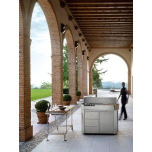 Outdoor Kitchen by Alfredo Tasca for MetalCo