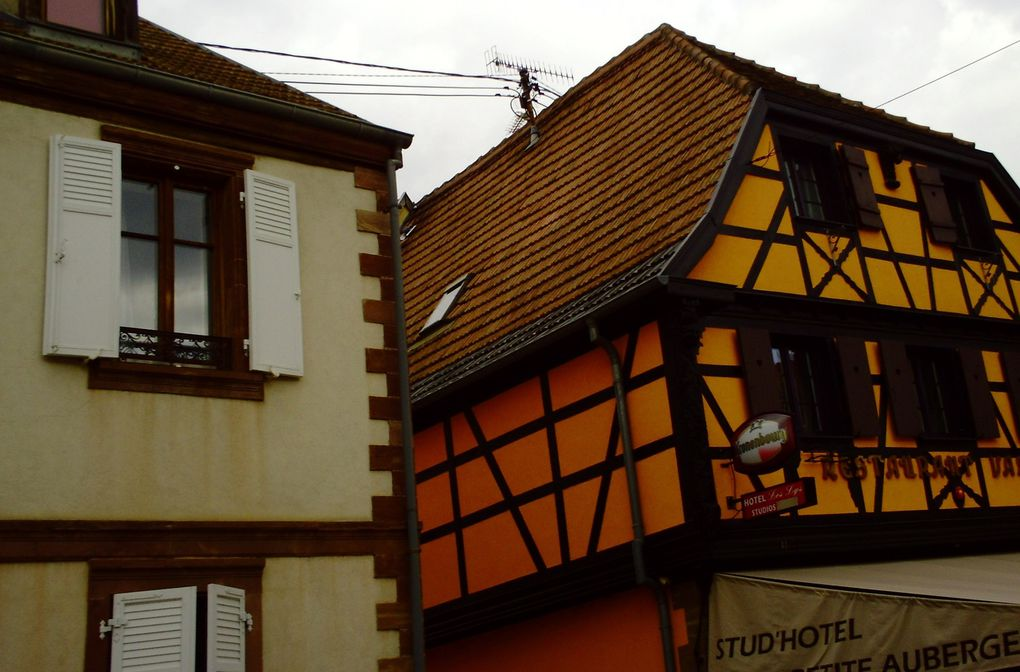 DIAPORAMA 14 PHOTOS - TRAVERSÉE DE ROSHEIM........................JOLI VILLAGE