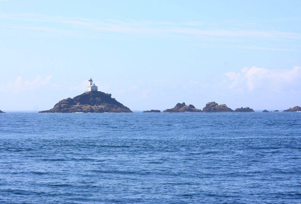 L'îlot Tévennec et son phare.