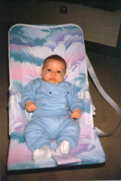 Anthony dans le transat de son papa ! Et Seb à peu près au même âge en 1988 !