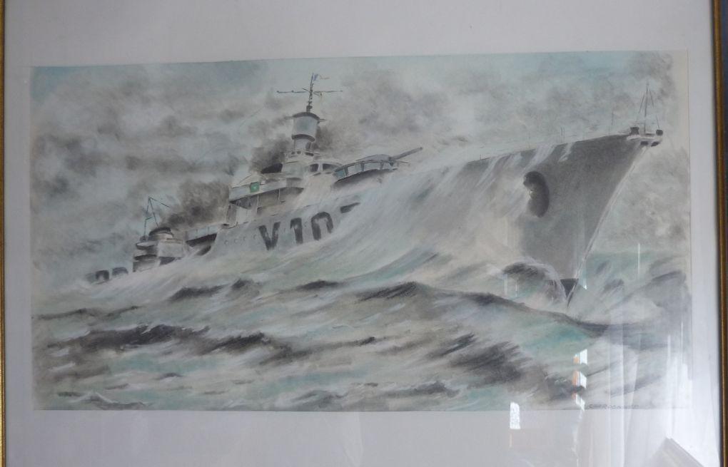 6 - Personnages de pierre - Navigateur en &quot&#x3B; Croiseur &quot&#x3B; de guerre - Regard d'un Saintais sur les pierres de Poitiers