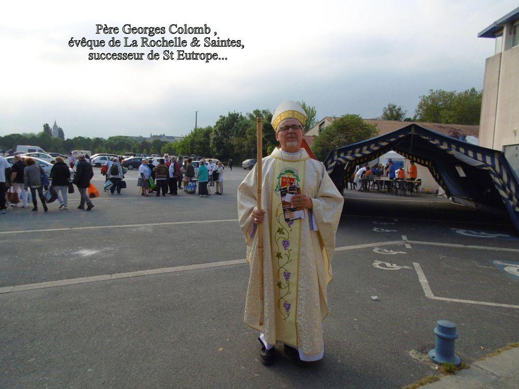 """Il ne restera plus à ce nouveau """" guide """" du diocèse qu'à découvrir Saintes, ses secrets d'histoire et surtout ces petites gens qui ont tellement besoin des autres, enfin de nous."""