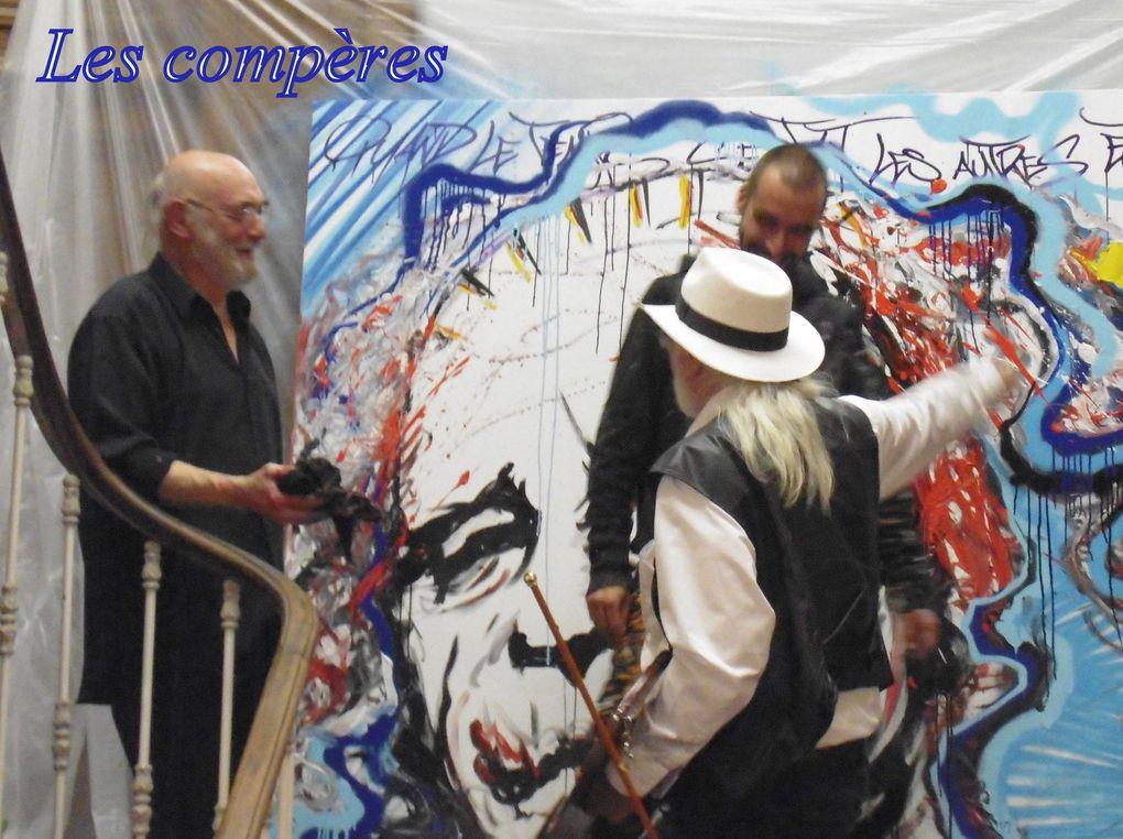 Yvan Rotrou est un Saintais d'origine. Né en 1976 notre nouveau galeriste est revenu dans sa ville, en effet il cherchait un lieu dans l'événementiel et ce fut cette opportunité du départ de Jean-Pierre qui l'a ainsi amené rue St Michel.  Il a donc ouvert sa galerie ce 18 juin. Un futur interview permettra d'en savoir un peu plus sur le nouvel occupant de cet espace d'art qui accueille en ce jour 21 artistes, peintres et plasticiens. Pour l'instant on sait que c'était (et c'est peut-être toujours) un passionné de danse ayant été danseur.