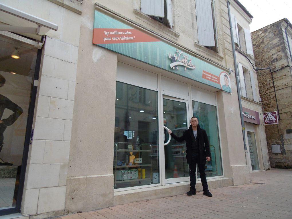 """On reconnait Aurélien qui vient d'ouvrir son magasin """" Cellphone """" avec une spécialité.... soigner votre téléphonie portable. Vous y serez reçus par Elie et c'est rue Alsace Lorraine à Saintes."""