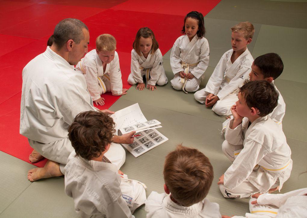 Sensei Lionel Lefort avec ses élèves...