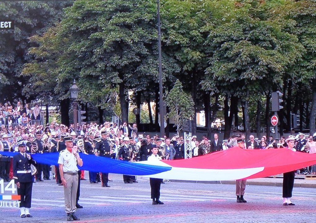 Fête Nationale - le défilé comme si nous y étions.