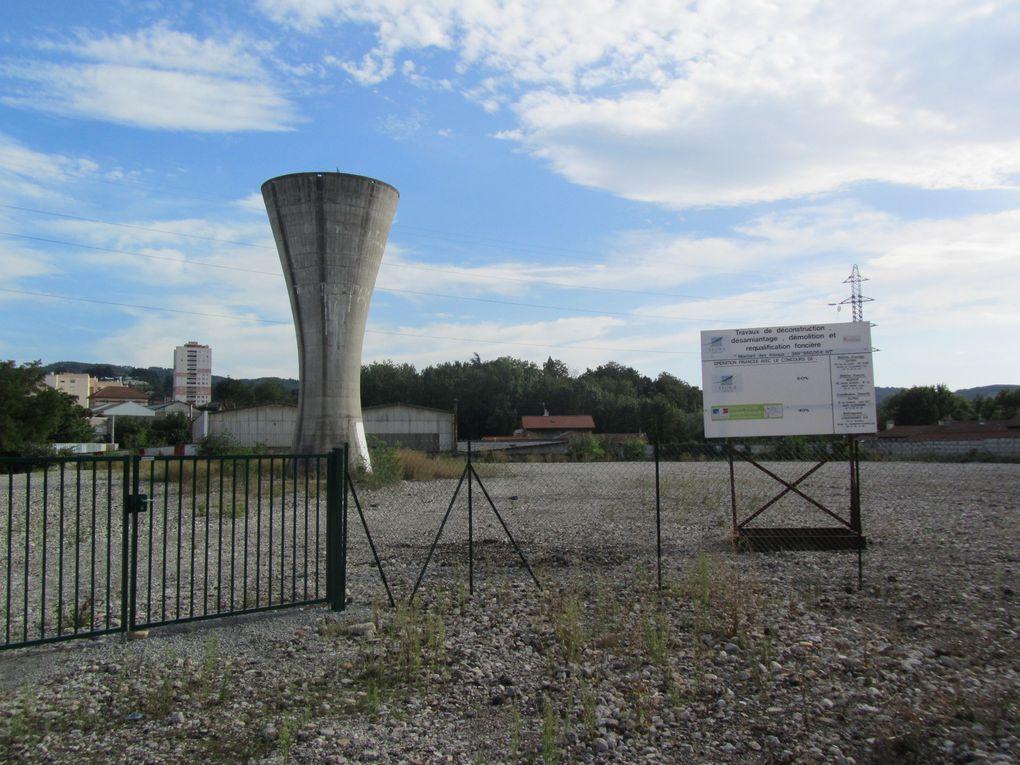 Des abattoirs (photo personnelle -septembre 2010 et 2016 ) aux  berges d'Ondaine , projet immobilier en cours sur le site des anciens abattoirs (images de synthèse réalisé par Yes Architectes)