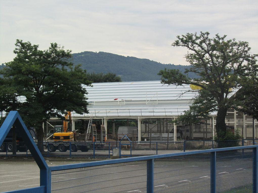 """L'installation en 2013 de l'enseigne """"Grand Frais"""" dans le quartier de Layat/Bas-Mas : le réaménagement d'une friche industrielle"""