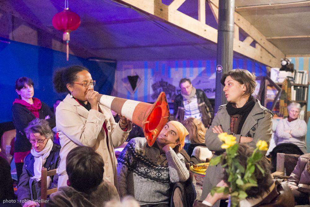Photos de la soirée féministe aux Bouillons